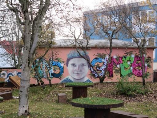 iceland-street-art-kid