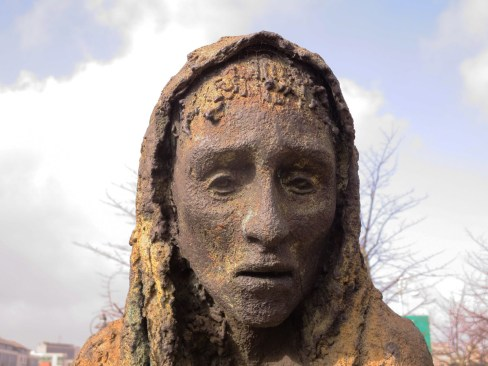 dublin-famine-memorial-woman-face