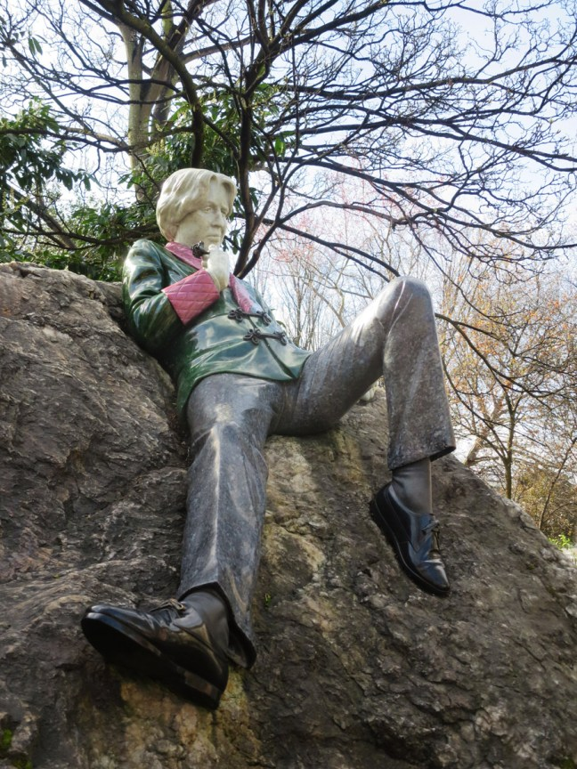 Oscar Wilde statue on Merrion Square opposite his former home
