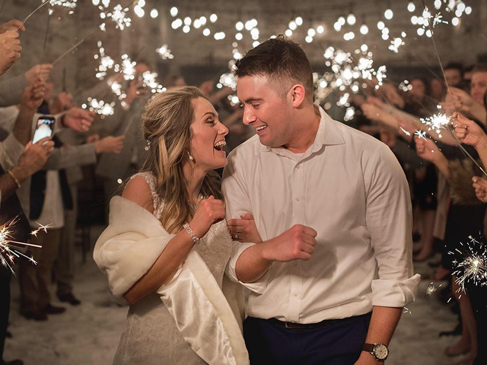 Bride-groom-sparkler-exit-moblie
