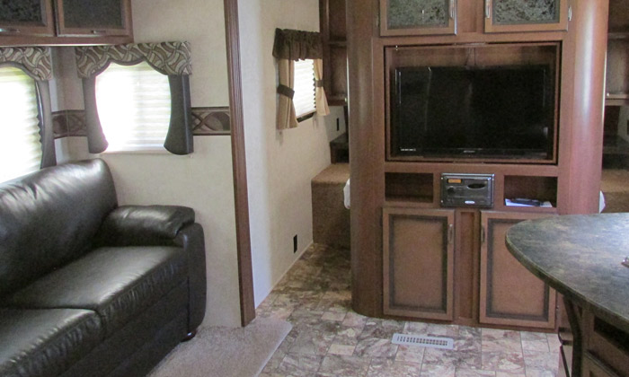 RV-rentals-with-TV