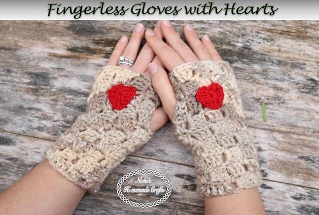 Fingerless Gloves with Heart – Free Crochet Pattern