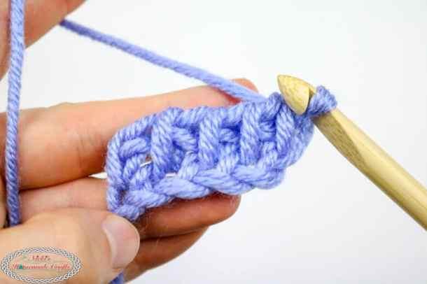 row 2 of Tunisian Simple Crochet Stitch