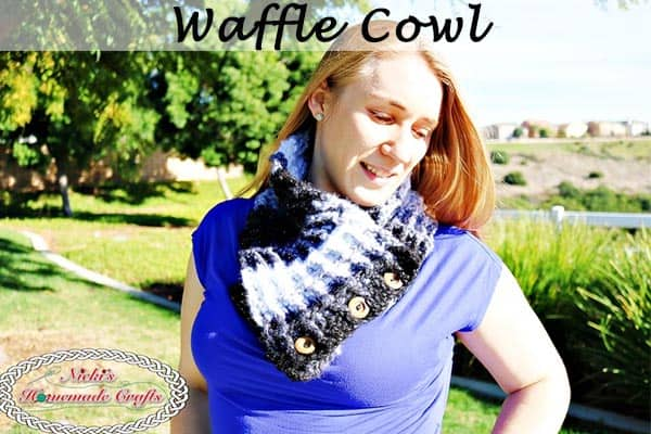 Waffle Cowl using the Waffle Stitch - Free Crochet Pattern - by Nicki's Homemade Crafts #crochet #waffle #stitch #yarn #bulky #cowl #scarf #variegatedyarn