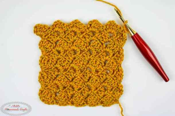 Crochet the Tulip Stitch horizontally easily with a hook