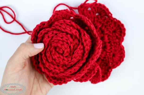 Crocheting a Rose easily
