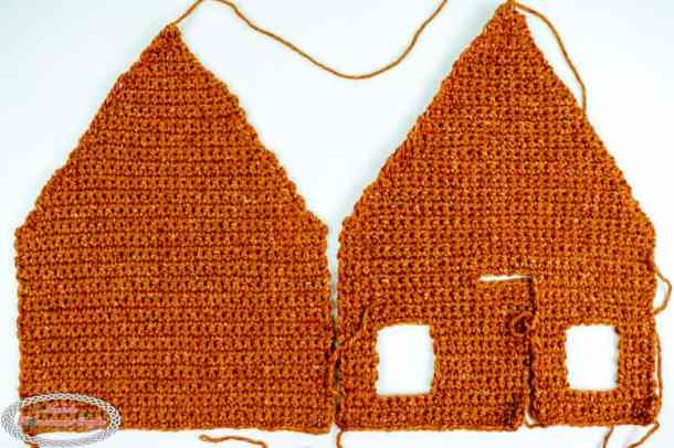 front and back side of the Gingerbread House crocheted