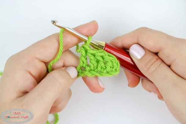 Learning to crochet double crochet