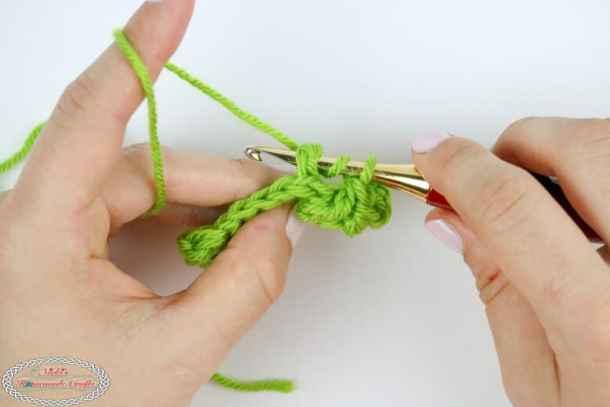 making a back post double crochet stitch