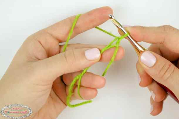 how to crochet a magic ring tutorial