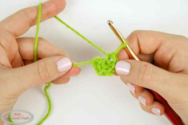 How To Crochet The Magic Circle Or Magic Ring Photo Video Tutorial