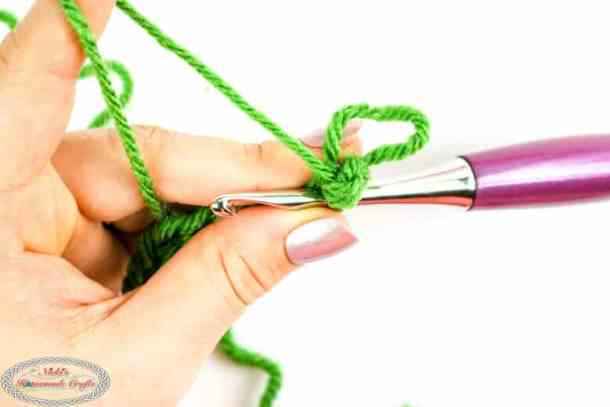 crocheted 1 loop stitch