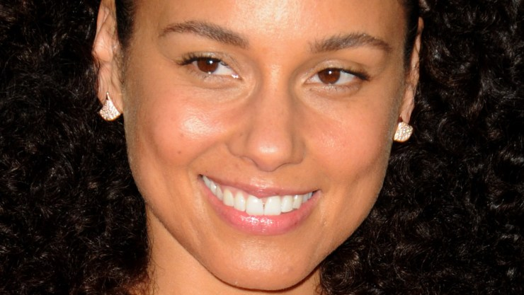 The Truth About Alicia Keys' Relationship With Makeup