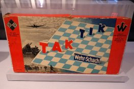 chess variant, Tak Tik by Wehr-Schach