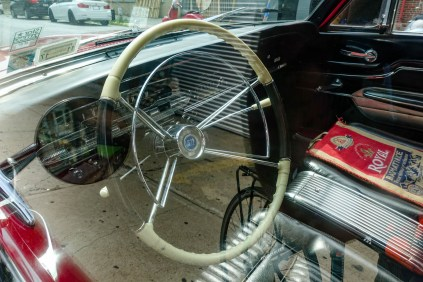 nice wheel and dash