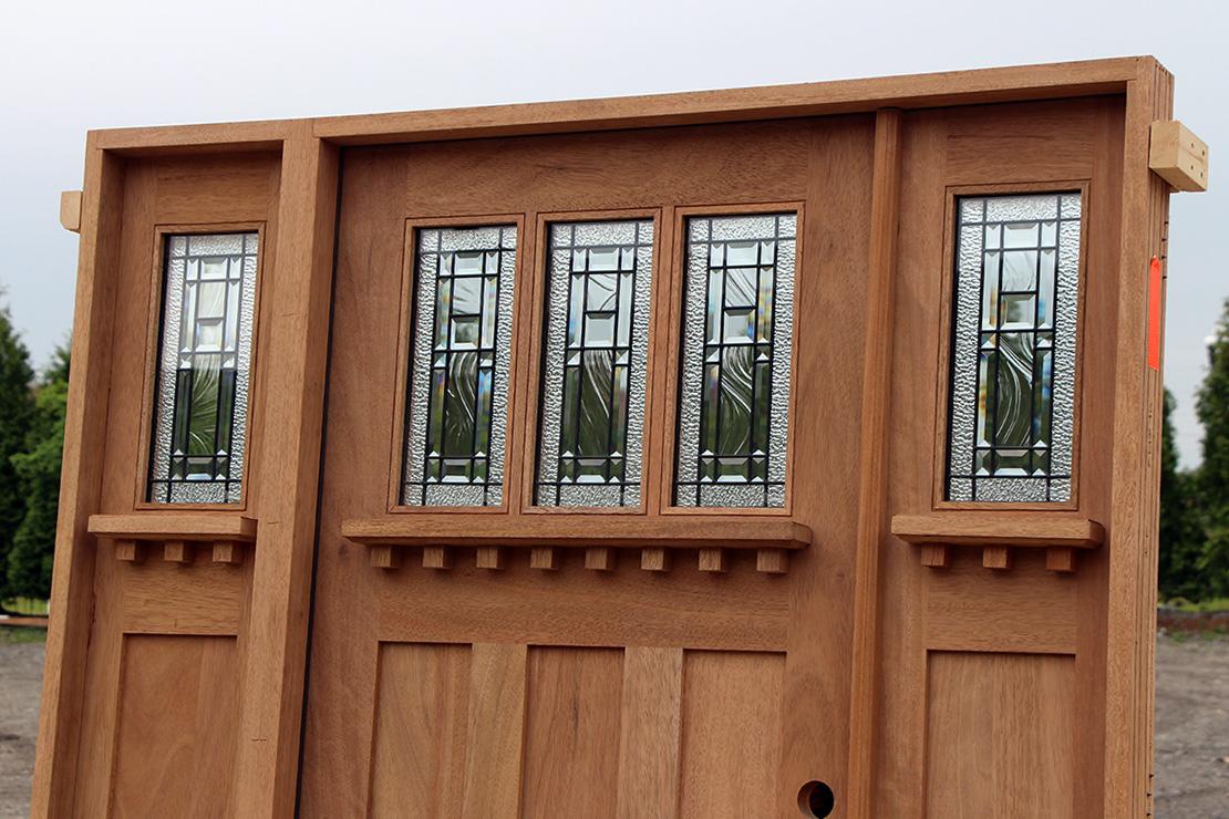 Craftsman Door With Active Sidelite