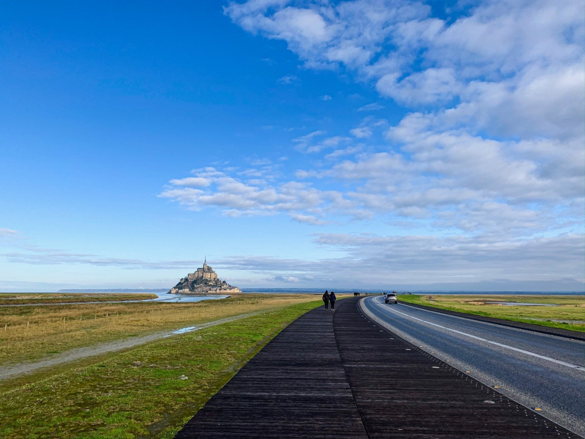 The walk to Mont Saint Michel