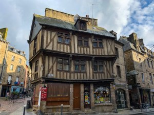 An example of the beautiful architecture in Dinan