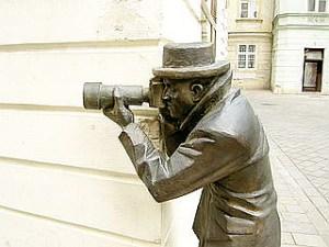 320px-Bratislava_Bronze_Paparazzo