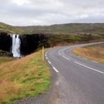 Tipica statale islandese. Qui però la piazzola c'era!