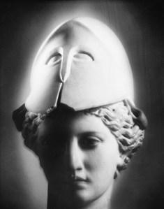 """Mimmo Jodice, """"Atena, 1993"""" (da fondazionefotografia.org)"""