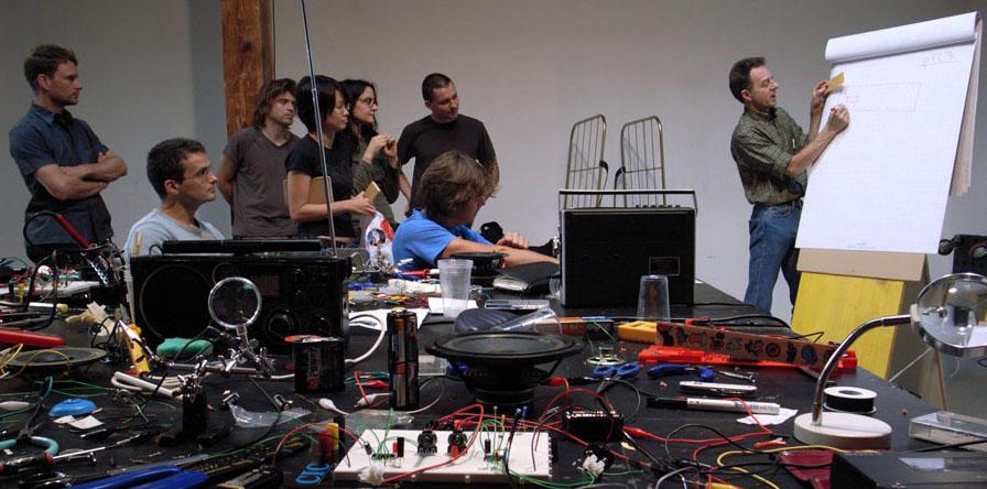 World Technical Preamplifier Circuit For Electret Condenser