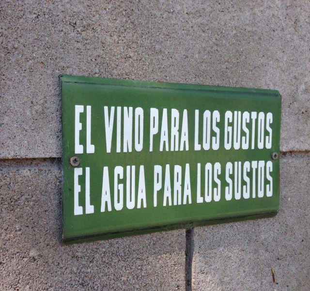 Cartel en Bodega Santa Julia, Mendoza.