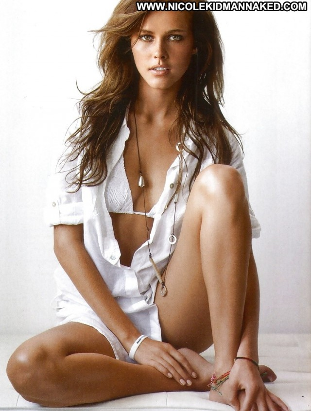 Isabel Lucas Pictures Babe Celebrity