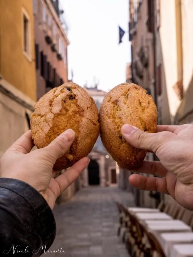 Lo Zaleto, un dolce tipico veneziano fatto di pasta frolla e uvette - Nicole Maranta