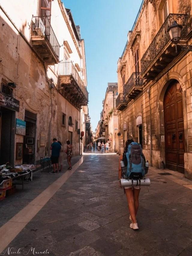 Passeggiando per il centro - Nicole Maranta