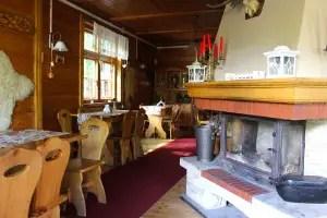 "restaurant-batumi-karpacz-indoor-fireplace ""srcset ="" https://i0.wp.com/www.nicolos-reiseblog.de/wp-content/uploads/2018/09/restaurant-batumi-karpacz-innen-kamin-300x200.jpg?resize=300%2C200&ssl=1 300w, https://www.nicolos-reiseblog.de/wp-content/uploads/2018/09/restaurant-batumi-karpacz-innen-kamin-1024x683.jpg 1024w, https://www.nicolos-reiseblog.de/wp -content / uploads / 2018/09 / restaurant-batumi-karpacz-indoor-fireplace-800x533.jpg 800w, https://www.nicolos-reiseblog.de/wp-content/uploads/2018/09/restaurant-batumi- karpacz-innen-kamin.jpg 1200w, https://www.nicolos-reiseblog.de/wp-content/uploads/2018/09/restaurant-batumi-karpacz-innen-kamin-300x200@2x.jpg 600w ""sizes = ""(max-width: 300px) 100vw, 300px"" data-wp-pid = ""8921"" nopin = ""nopin"" /></dt data-recalc-dims="