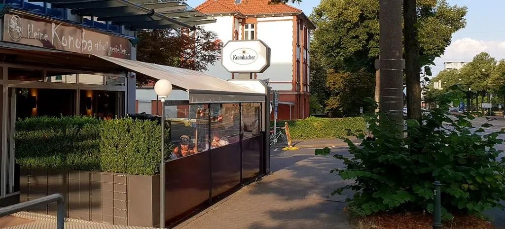"restaurants-in-kassel-small-konoba-title ""width ="" 1024 ""height ="" 465 ""data-wp-pid ="" 8779 ""srcset ="" https://www.nicolos-reiseblog.de/wp-content/ uploads / 2018/09 / restaurants-in-kassel-kleine-konoba-title.jpg 1024w, https://www.nicolos-reiseblog.de/wp-content/uploads/2018/09/restaurants-in-kassel-kleine -konoba-title-300x136.jpg 300w, https://www.nicolos-reiseblog.de/wp-content/uploads/2018/09/restaurants-in-kassel-kleine-konoba-titel-1078x490.jpg 1078w, https : //www.nicolos-reiseblog.de/wp-content/uploads/2018/09/restaurants-in-kassel-kleine-konoba-titel-800x363.jpg 800w ""sizes ="" (max-breedte: 1024px) 100vw, 1024px ""/></p data-recalc-dims="