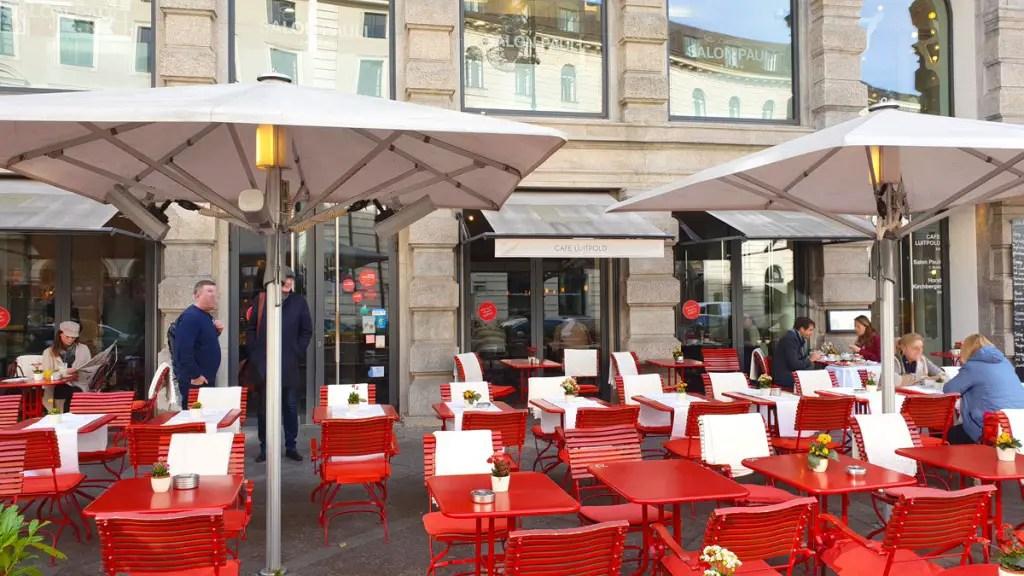 """best-cafes-munich-café-luitpold-invoer """"width ="""" 1024 """"height ="""" 576 """"data-wp-pid ="""" 9447 """"srcset ="""" https://www.nicolos-reiseblog.de/wp-content/ uploads / 2018/12 / best-cafes-muenchen-cafe-luitpold-eingang.jpg 1024w, https://www.nicolos-reiseblog.de/wp-content/uploads/2018/12/besten-cafes-muenchen-cafe -luitpold-input-300x169.jpg 300w, https://www.nicolos-reiseblog.de/wp-content/uploads/2018/12/besten-cafes-muenchen-cafe-luitpold-input-800x450.jpg 800w, https : //www.nicolos-reiseblog.de/wp-content/uploads/2018/12/besten-cafes-muenchen-cafe-luitpold-input-300x169@2x.jpg 600w """"sizes ="""" (max-width: 1024px) 100vw, 1024px """"/></p data-recalc-dims="""