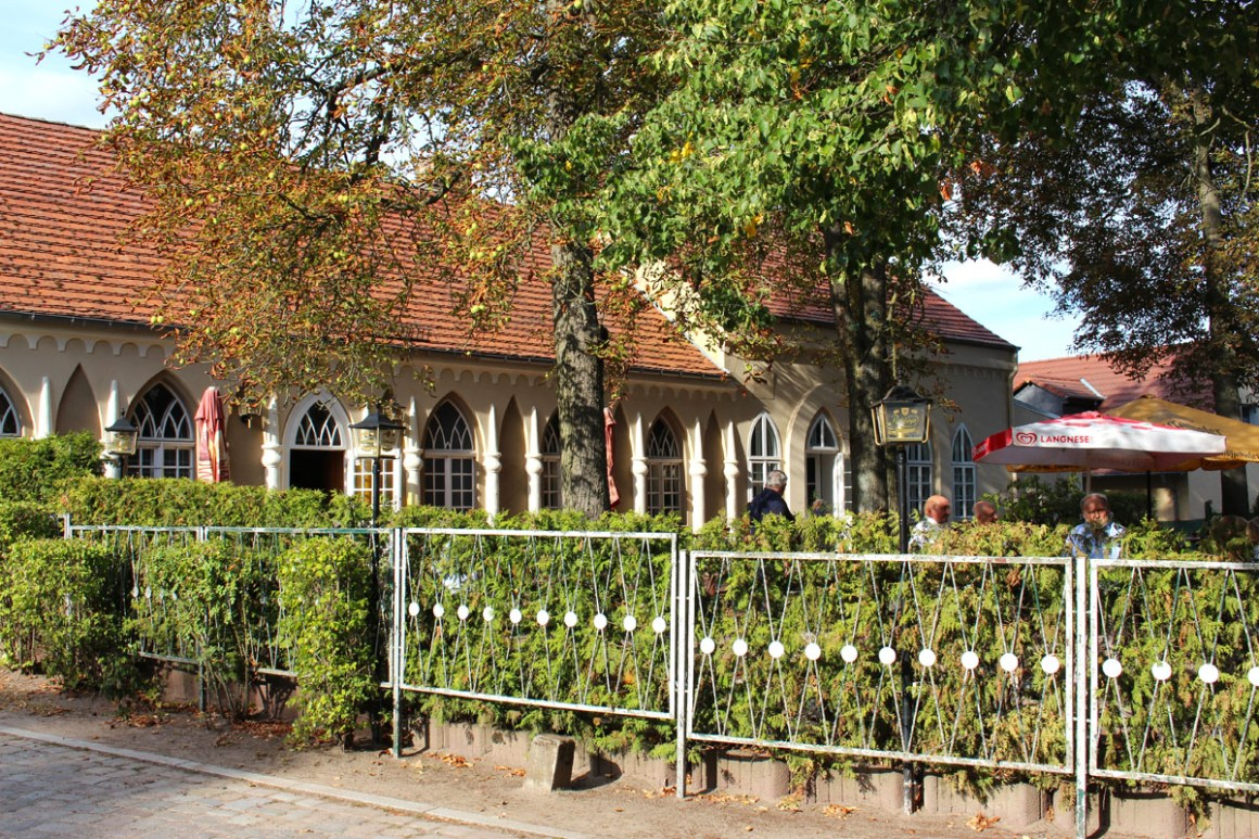 "Tour-brandenburg-tips-brandenburg-neuruppin-paretz-restaurant-gothic-huis ""width ="" 1200 ""height ="" 800 ""data-wp-pid ="" 10014 ""srcset ="" https: //www.nicolos-reiseblog. DE / wp-content / uploads / 2019/03 / Round-trip-brandenburg-travel-tips-brandenburg-neuruppin-paretz-restaurant-gothic-house.jpg 1200w, https://www.nicolos-reiseblog.de/wp-content/uploads /2019/03/Rundreise-brandenburg-reisetipps-brandenburg-neuruppin-paretz-restaurant-gotisches-haus-300x200.jpg 300w, https://www.nicolos-reiseblog.de/wp-content/uploads/2019/03/ Rundreise-brandenburg-travel-tips-brandenburg-neuruppin-paretz-restaurant-gothic-house-1024x683.jpg 1024w, https://www.nicolos-reiseblog.de/wp-content/uploads/2019/03/Rundreise-brandenburg-reisetipps -brandenburg-neuruppin-paretz-restaurant-gothic-house-800x533.jpg 800w, https://www.nicolos-reiseblog.de/wp-content/uploads/2019/03/Rundreise-brandenburg-reisetipps-brandenburg-neuruppin- paretz-restaurant-gotisches-haus-300x200@2x.jpg 600w ""sizes ="" (max-width: 1200px) 10 0vw, 1200px ""/></p data-recalc-dims="
