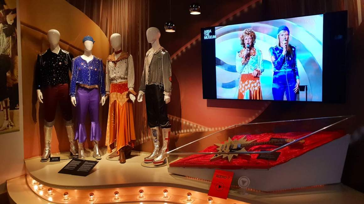 """abba-museum-stockholm-tentoonstelling """"width ="""" 1200 """"height ="""" 675 """"data-wp-pid ="""" 10259 """"srcset ="""" https://www.nicolos-reiseblog.de/wp-content/uploads/2019/ 03 / abba-museum-stockholm-exhibition.jpg 1200w, https://www.nicolos-reiseblog.de/wp-content/uploads/2019/03/abba-museum-stockholm-exhibition-300x169.jpg 300w, https: //www.nicolos-reiseblog.de/wp-content/uploads/2019/03/abba-museum-stockholm-exhibition-1024x576.jpg 1024w, https://www.nicolos-reiseblog.de/wp-content/uploads /2019/03/abba-museum-stockholm-exhibition-50x28.jpg 50w, https://www.nicolos-reiseblog.de/wp-content/uploads/2019/03/abba-museum-stockholm-exhibition-800x450. jpg 800w """"sizes ="""" (max-width: 1200px) 100vw, 1200px """"/></p data-recalc-dims="""