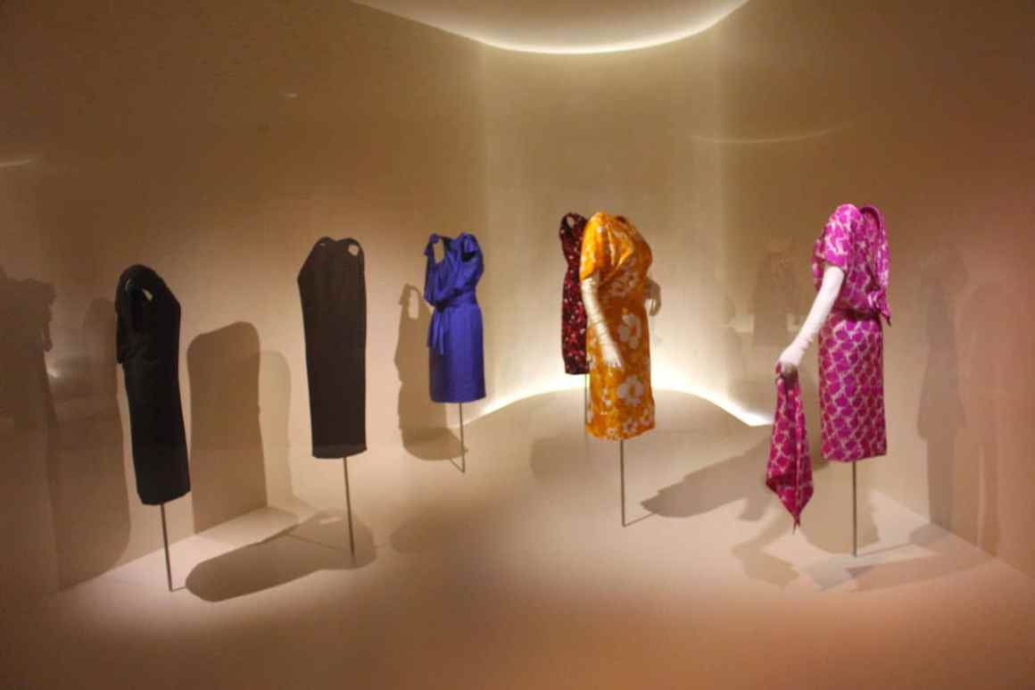 "Cristobal-balenciaga-museum-reizen-tips-basque-reizen-tips-spanje-kleurrijke-jurken ""width ="" 1200 ""height ="" 800 ""data-wp-pid ="" 10294 ""srcset ="" https: //www.nicolos-reiseblog. DE / wp-inhoud / uploads / 2019/04 / Cristobal-Balenciaga-Museum-Reizen-Tips-Baskenland-Reizen-Tips-Spanje-Kleurrijk-Jurken.jpg 1200w, https://www.nicolos-reiseblog.de/wp-content/uploads /2019/04/Cristobal-Balenciaga-Museum-travel-basics-land-tour-sports-spain-colour--300x200.jpg 300w, https://www.nicolos-reiseblog.de/wp-content/uploads/2019/04/ Cristobal Balenciaga Museum Reistips Baskenland Reistips Spanje Kleurrijke jurken 1024x683.jpg 1024w, https://www.nicolos-reiseblog.de/wp-content/uploads/2019/04/Cristobal-Balenciaga-Museum -reizen-tips-baskisch-land-tips-spanje-kleurrijk-jurken-50x33.jpg 50w, https://www.nicolos-reiseblog.de/wp-content/uploads/2019/04/Cristobal-Balenciaga-Museum-restaurants-basic-land- travel-tips-spanje-kleurrijke-jurken-800x533.jpg 800w ""sizes ="" (max-width: 1200px) 100vw, 1200px ""/></p data-recalc-dims="