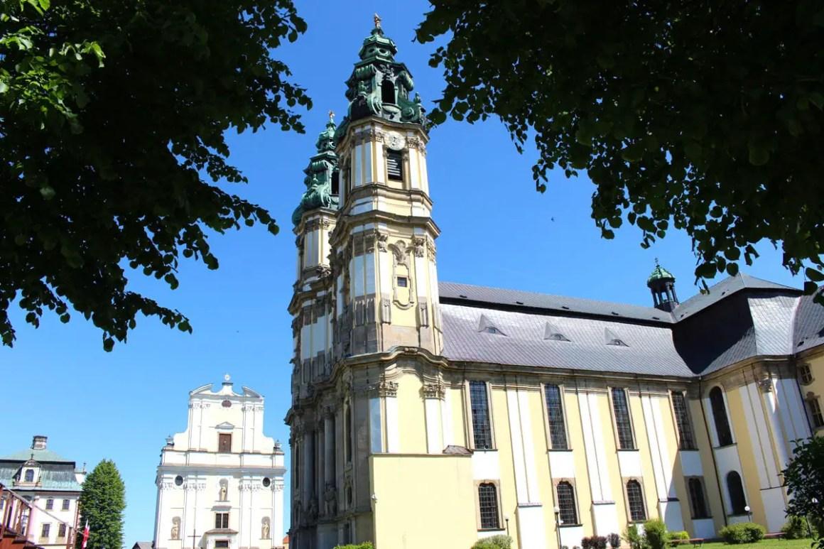 "klooster-gruessau-klooster-kerk-ascentie-reizen-tips-lage-siësta-reizen-tips-polen ""width ="" 1200 ""height ="" 800 ""data-wp-pid ="" 10216 ""srcset ="" https: //www.nicolos-travelingblog. DE / wp-content / uploads / 2019/04 / klooster-gruessau-klooster-kerk-beklimming-reizen-tips-niederschlesien-reizen-tips-polen.jpg 1200w, https://www.nicolos-reiseblog.de/wp-content/uploads /2019/04/kloster-gruessau-Klosterkirche-Mariae-Himmelfahrt-reisetipps-niederschlesien-reisetipps-polen-300x200.jpg 300w, https://www.nicolos-reiseblog.de/wp-content/uploads/2019/04/ klooster-gruessau-klooster-kerk-maria-reizen-tips-niederschlesien-reizen-tips-polen-1024x683.jpg 1024w, https://www.nicolos-reiseblog.de/wp-content/uploads/2019/04/kloster-gruessau-Klosterkirche -Mariae-Ascension-Reizen-Tips-Neder-Silezië-reizen-tips-polen-50x33.jpg 50w, https://www.nicolos-reiseblog.de/wp-content/uploads/2019/04/kloster-gruessau-Klosterkirche-Mariae-Himmelfahrt- travel-tips-low-tourist-travel-tips-polen-800x533.jpg 800w "" sizes = ""(max-width: 1200px) 100vw, 1200px"" /></p data-recalc-dims="