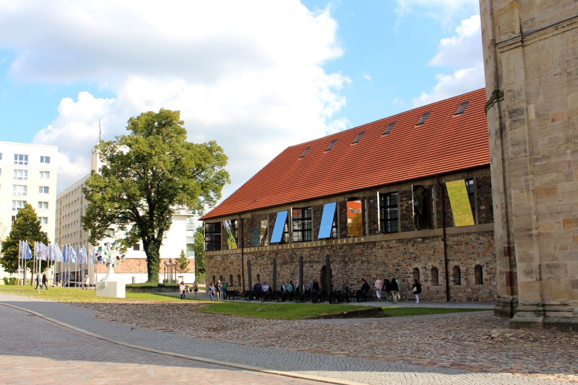"Kloster-Unser-Lieben-Frauen-Magdeburg-kunstmuseum"" width=""1200"" height=""800"" data-wp-pid=""10882"" srcset=""https://i0.wp.com/www.nicolos-reiseblog.de/wp-content/uploads/2019/07/Kloster-Unser-Lieben-Frauen-Magdeburg-kunstmuseum.jpg?w=1160&ssl=1 1200w, https://www.nicolos-reiseblog.de/wp-content/uploads/2019/07/Kloster-Unser-Lieben-Frauen-Magdeburg-kunstmuseum-300x200.jpg 300w, https://www.nicolos-reiseblog.de/wp-content/uploads/2019/07/Kloster-Unser-Lieben-Frauen-Magdeburg-kunstmuseum-1024x683.jpg 1024w, https://www.nicolos-reiseblog.de/wp-content/uploads/2019/07/Kloster-Unser-Lieben-Frauen-Magdeburg-kunstmuseum-50x33.jpg 50w, https://www.nicolos-reiseblog.de/wp-content/uploads/2019/07/Kloster-Unser-Lieben-Frauen-Magdeburg-kunstmuseum-800x533.jpg 800w"" sizes=""(max-width: 1200px) 100vw, 1200px""/></p data-recalc-dims="