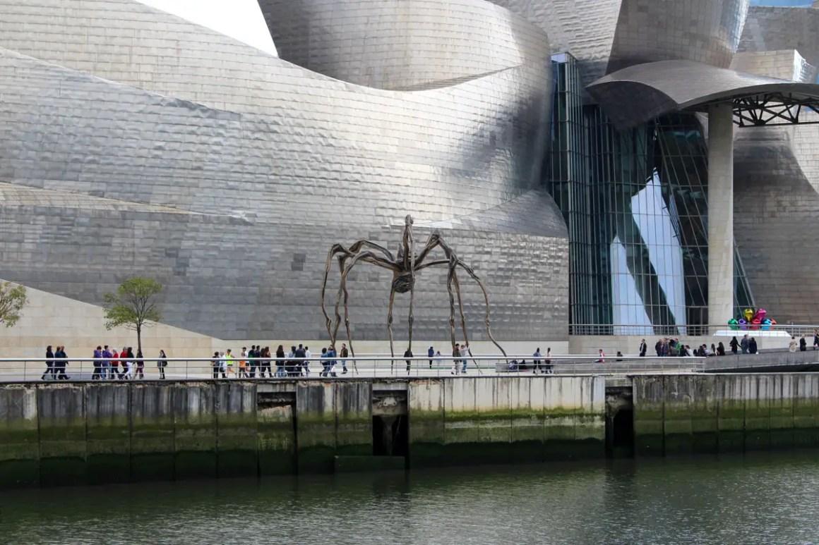 """Wat-je-moet-zien-Bilbao-guggenheim-museum-spider """"width ="""" 1200 """"height ="""" 800 """"data-wp-pid ="""" 11118 """"srcset ="""" https://www.nicolos-reiseblog.de/ wp-content / uploads / 2019/08 / Wat moet je zien Bilbao-guggenheim-museum-spinne.jpg 1200w, https://www.nicolos-reiseblog.de/wp-content/uploads/2019/08 / What- must-see-Bilbao-guggenheim-museum-spinne-300x200.jpg 300w, https://www.nicolos-reiseblog.de/wp-content/uploads/2019/08/Was-muss-man- see-Bilbao-guggenheim-museum-spider-1024x683.jpg 1024w, https://www.nicolos-reiseblog.de/wp-content/uploads/2019/08/Was-muss-man-sehen-Bilbao-guggenheim-museum -spinne-50x33.jpg 50w, https://www.nicolos-reiseblog.de/wp-content/uploads/2019/08/Was-muss-man-sehen-Bilbao-guggenheim-museum-spinne-800x533.jpg 800w """"sizes ="""" (max-breedte: 1200px) 100vw, 1200px """"/></p data-recalc-dims="""