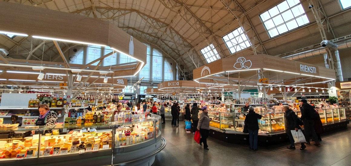 "what-see-in-riga-central-market-negu-iela-inside ""width ="" 1200 ""height ="" 569 ""data-wp-pid ="" 11417 ""srcset ="" https://www.nicolos-reiseblog.de/ wp-content / uploads / 2019/10 / what-seeing-in-riga-Central-Market-Negu-iela-innen.jpg 1200w, https://www.nicolos-reiseblog.de/wp-content/uploads/2019/10 /was-sehen-in-riga-Zentralmarkt-Negu-iela-innen-300x142.jpg 300w, https://www.nicolos-reiseblog.de/wp-content/uploads/2019/10/was-sehen-in- riga-Zentralmarkt-Negu-iela-innen-1024x486.jpg 1024w, https://www.nicolos-reiseblog.de/wp-content/uploads/2019/10/was-sehen-in-riga-Zentralmarkt-Negu-iela -innen-50x24.jpg 50w, https://www.nicolos-reiseblog.de/wp-content/uploads/2019/10/was-sehen-in-riga-Zentralmarkt-Negu-iela-innen-800x379.jpg 800w ""data-lazy-sizes ="" (max-width: 1200px) 100vw, 1200px ""src ="" https://www.nicolos-reiseblog.de/wp-content/uploads/2019/10/what-see-in- Riga Central market Negu-iela-innen.jpg ""/></p> <p><noscript><img class="