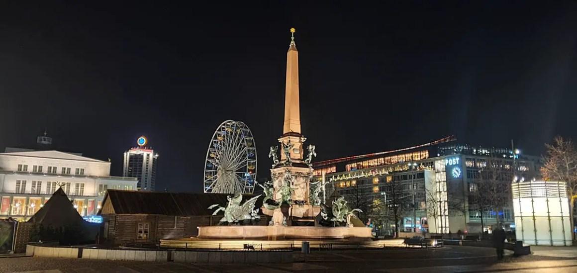 Leipzig-attracties-Augustusplatz-Mendebrunnen