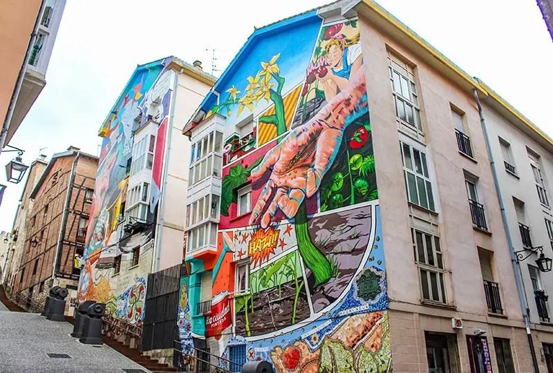 Vitoria Gasteiz sightseeing murales