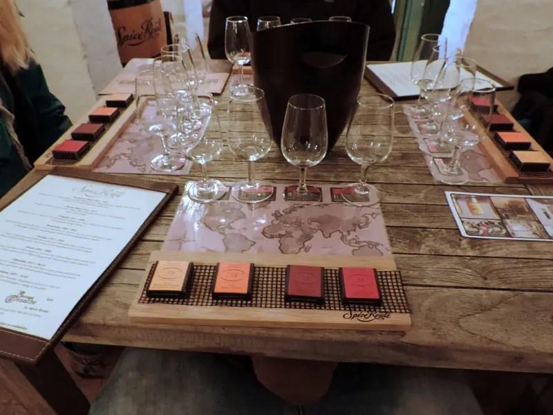 een-dag-in-kaapstad-wijnproeverij-met-chocolade-combo
