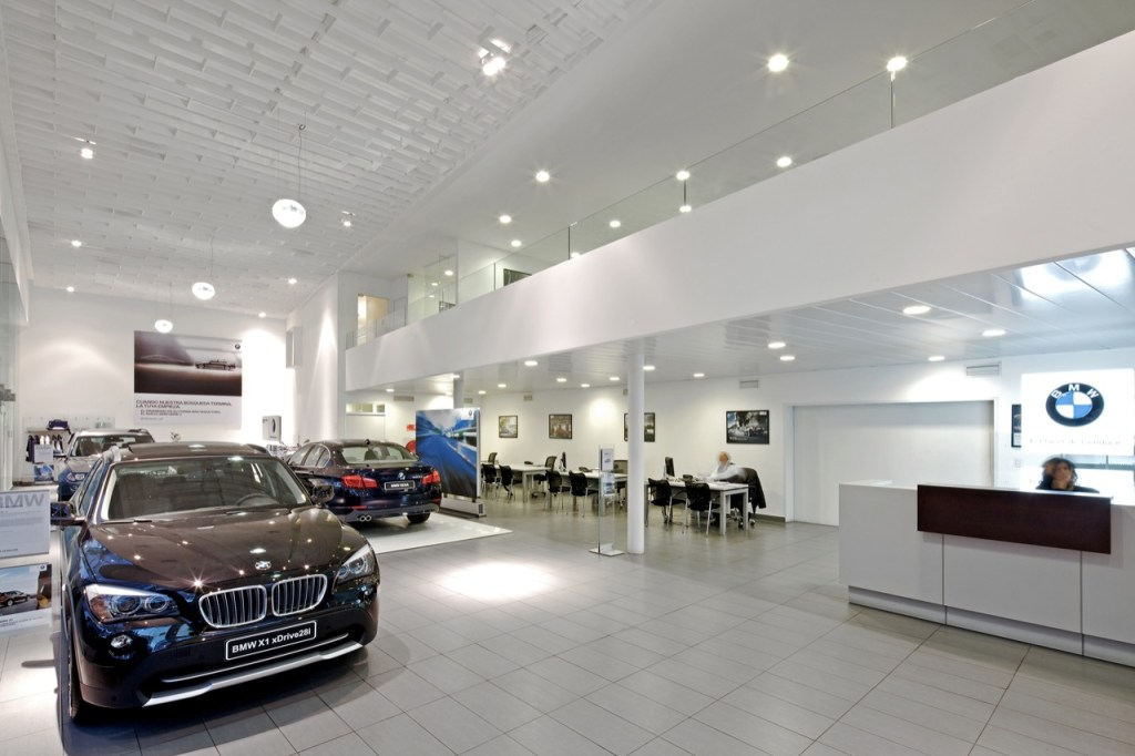 BMW Store by Guillermo Hevia Architects