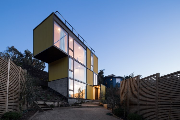 Yellow House in Zapallar, by Aguiló+Pedraza Arquitectos (5)