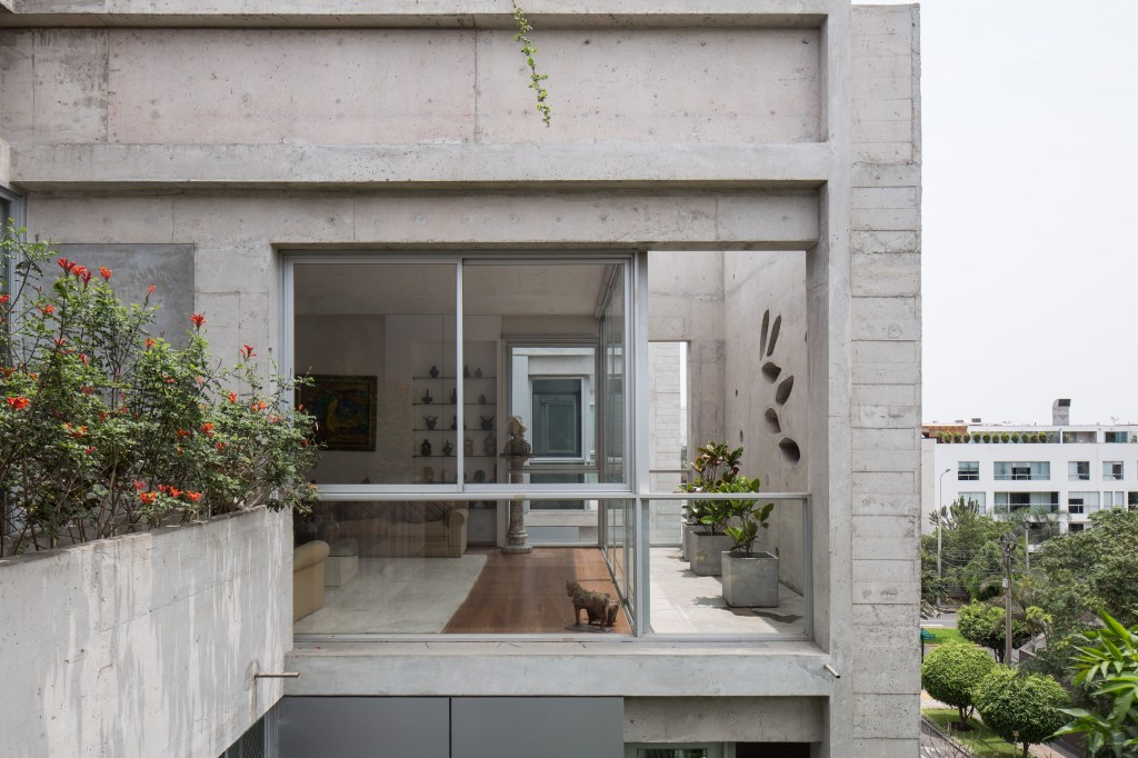 Building in Chacarilla by Barclay & Crousse (12)