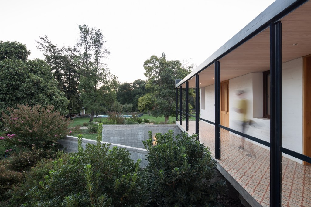 House in Pilay by Duval+Vives Arquitectos (12)