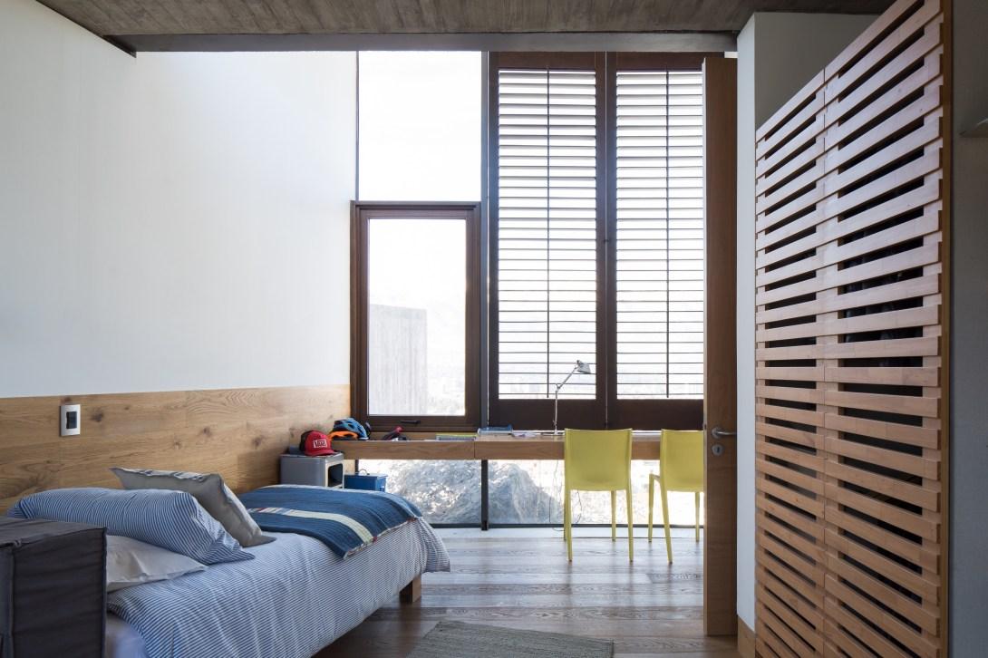 Via Aurora House by Schmidt Arquitectos
