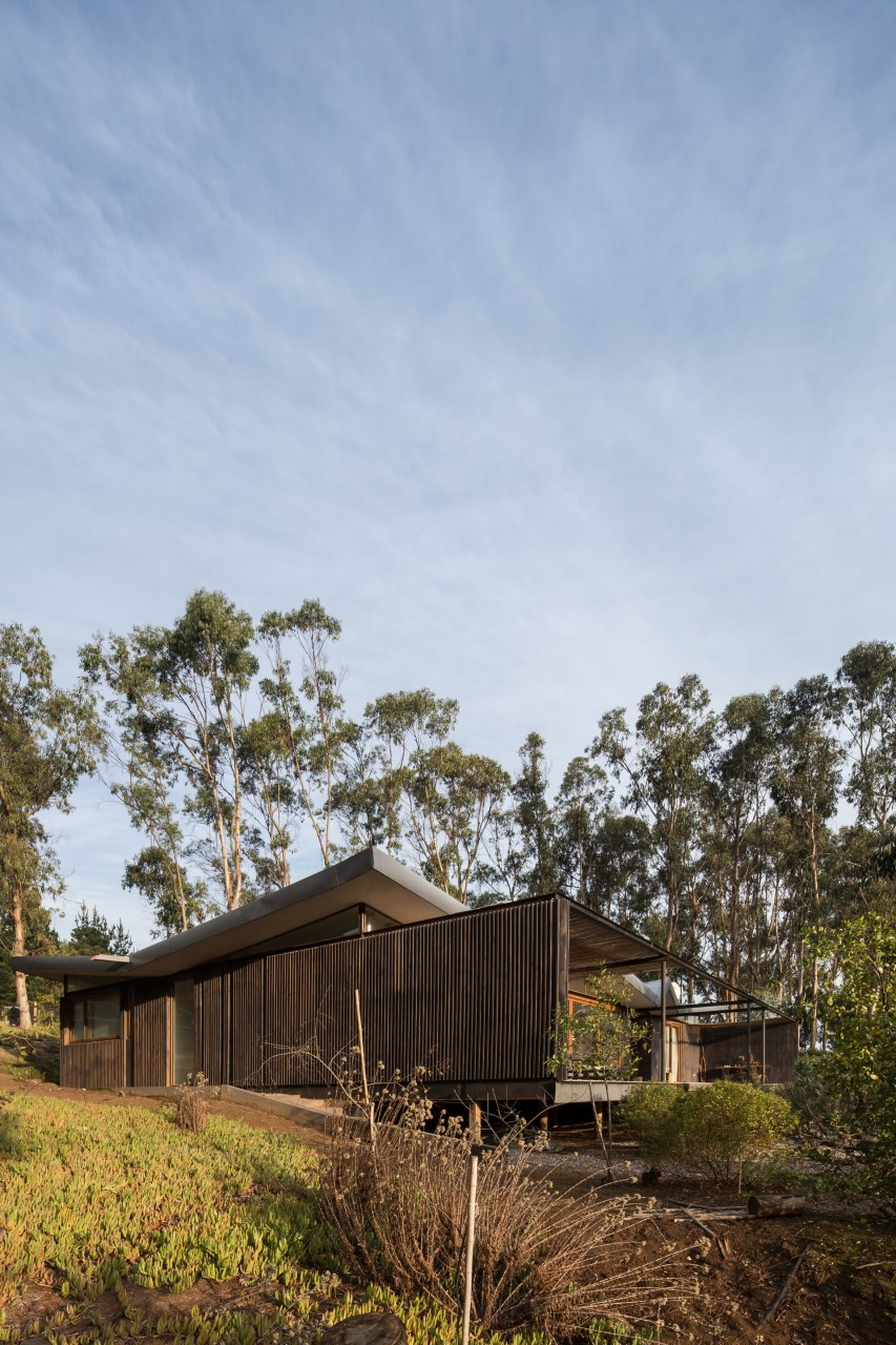 House in Agua Dulce by Mas Fernandez Arquitectos
