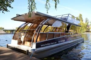 Holiday Boat SunDeck